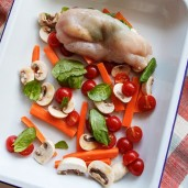 Receita de Peito de Frango Recheado Assado com Legumes